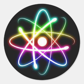 Sticker Rond Cadeaux rougeoyants colorés de geek de l'atome |