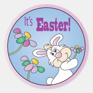Sticker Rond C'est lapin de Pâques |