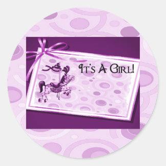 Sticker Rond C'est un ensemble de carrousel de rose de fille