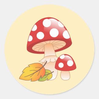 Sticker Rond Champignons et feuille rouges de champignon de
