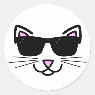 Sticker Rond Chat frais avec des lunettes de soleil