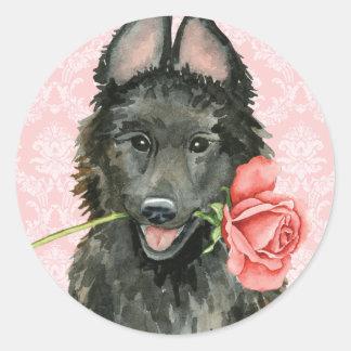 Sticker Rond Chien de berger belge rose de Valentine