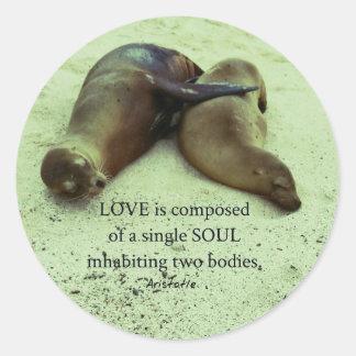 Sticker Rond Citation d'Aristote de soulmates d'amour