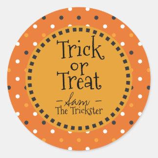 Sticker Rond Des bonbons ou un sort. Halloween colore des