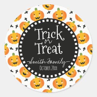 Sticker Rond Des bonbons ou un sort. Sucreries de Halloween