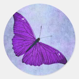 Sticker Rond Illustration pourpre foncée de papillon de 1800s