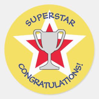 Sticker Rond Jaune de trophée d'étoile de félicitations