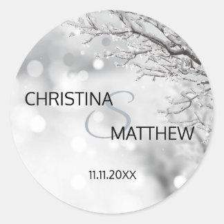 Sticker Rond JOINT personnalisé de mariage de neige du pays des
