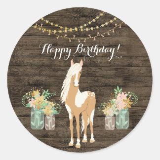 Sticker Rond Joli cheval et anniversaire en bois rustique de