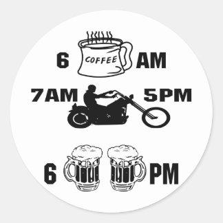 Sticker Rond Jour de cyclistes ; Café, équitation et bière