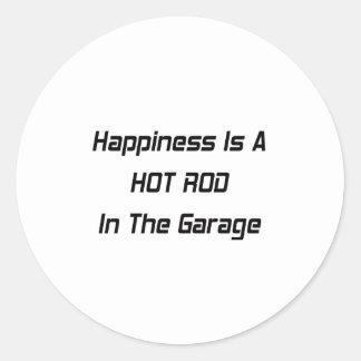 Sticker Rond Le bonheur est un hot rod dans le garage