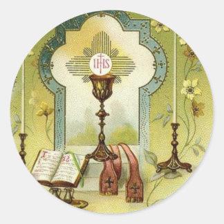 Sticker Rond Le calice vintage d'autel d'eucharistie mire le