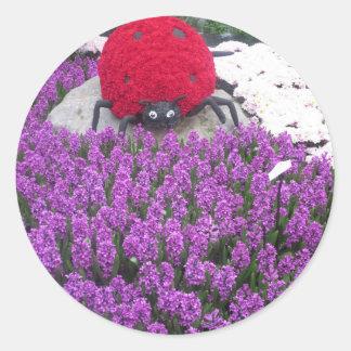 Sticker Rond Le jardin de papillon de VEGAS fleurit des
