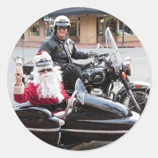 Sticker Rond Le père noël dans le sidecar de moto