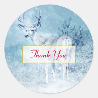 Sticker Rond Merci de cerfs communs et de pins d'hiver