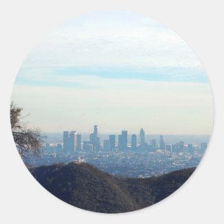 Sticker Rond Montagne encadrée par LA