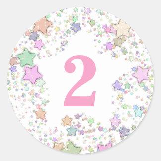 Sticker Rond Numéro 2 DEUX filles les étoiles en pastel du 2ème