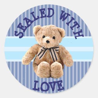 Sticker Rond Ours de nounours scellé avec l'autocollant d'amour