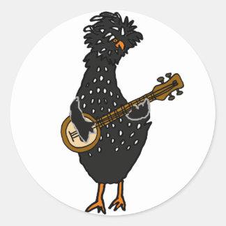 Sticker Rond Poulet polonais drôle jouant l'art de banjo