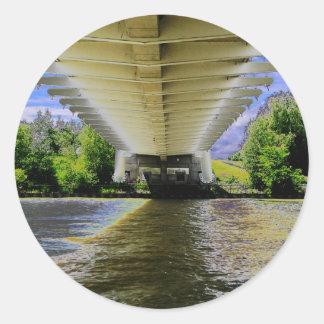 Sticker Rond SOUS le pont en plage de Sunnyside sur l'AMUSEMENT
