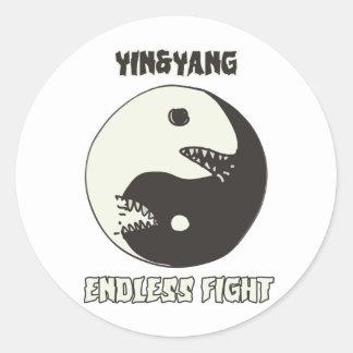 Sticker Rond style sans fin de bande dessinée de combat de yin