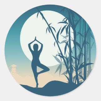 Sticker Rond Yoga à l'aube