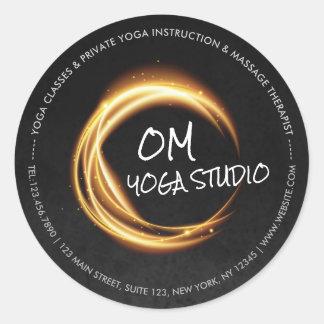 Sticker Rond ZEN d'or de noir d'instructeur de méditation de