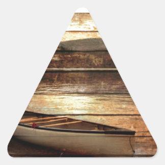 Sticker Triangulaire Canoë en bois primitif de Chambre de lac de