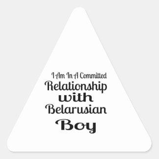 Sticker Triangulaire Rapport avec le garçon biélorusse