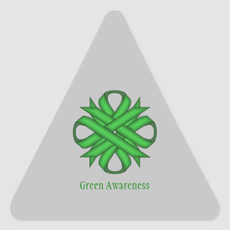 Sticker Triangulaire Ruban vert de trèfle par Kenneth Yoncich