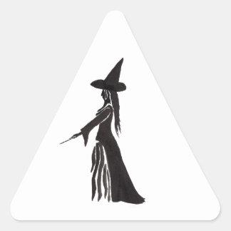 Sticker Triangulaire Sorcière avec une baguette magique magique
