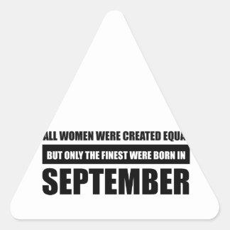 Sticker Triangulaire Toutes les femmes étaient des conceptions égales