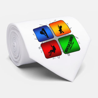 Style urbain d'alpinisme extraordinaire cravate