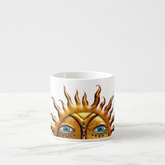 Sun orné de bijoux, tasse de café express