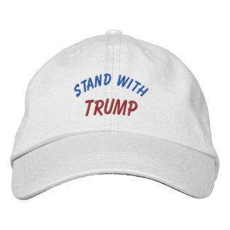 Support avec le casquette brodé par atout