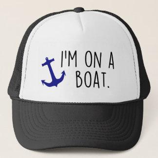 Sur un casquette de camionneur de bateau