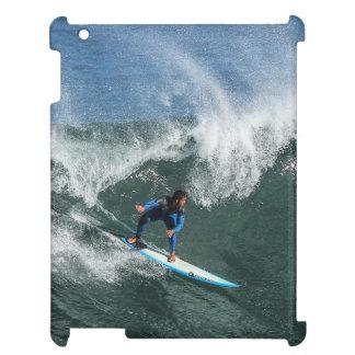 Surfer sur la planche de surf bleue et blanche étui iPad