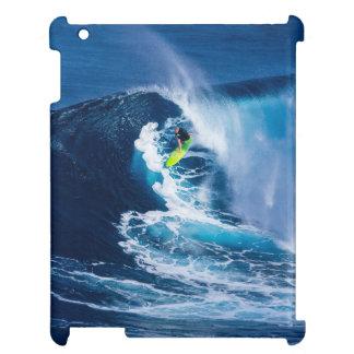 Surfer sur la planche de surf verte étuis iPad