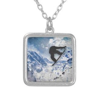 Surfeur en vol collier