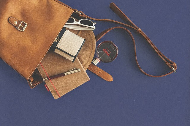 BAGS & PERSONAL ACCESSORIES