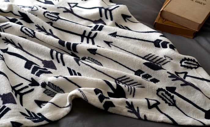 Des milliers de designs de couvertures polaires sur Zazzle