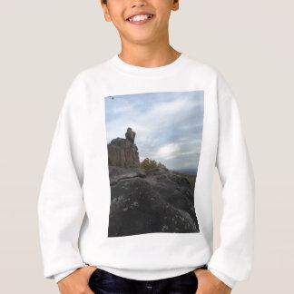 Sweatshirt Fille de montagne s'asseyant sur The Edge