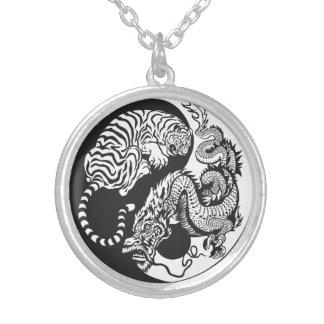 symbole de yang de yin de dragon et de tigre pendentifs