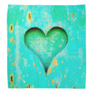 Symbole en bois de coeur de peinture bleue patinée bandana