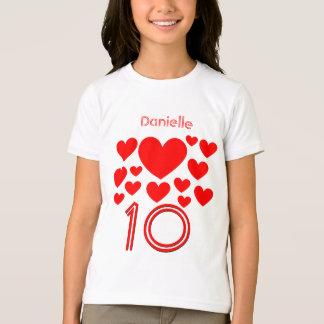 T-shirt 10ème Les masses de fille d'anniversaire de coeurs
