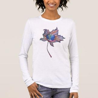T-shirt À Manches Longues Monde dans une chemise de feuille d'érable