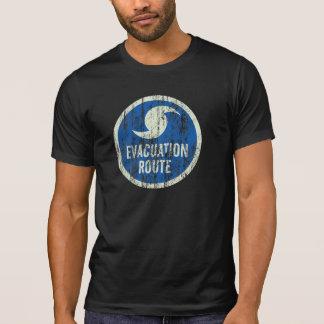 T-shirt affligé de signe d'itinéraire d'évacuation