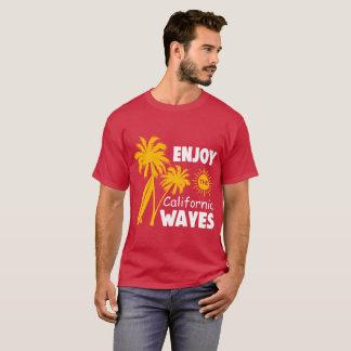 T-shirt Appréciez la pièce en t de vagues de la Californie