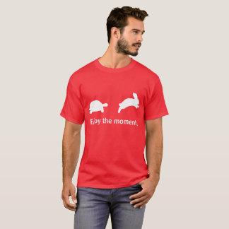 T-shirt Appréciez le moment. Édition rouge