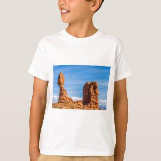 T-shirt arque la roche équilibrée de parc national